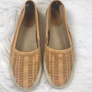 FRYE Kira Slip on Tan Leather Shoe in Size 7.5